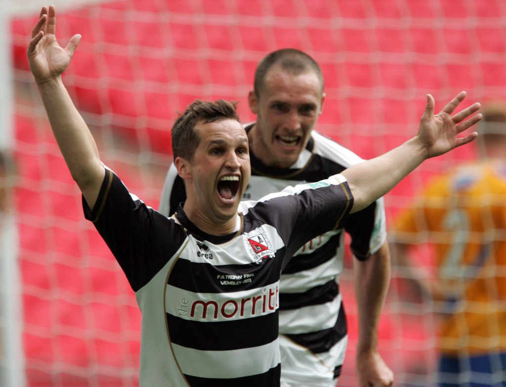 Wembley Stadium, Wembley, London  -  F.A. Trophy Final:  Darlington V Mansfield Town.  Chris Senior celebrates scoring the extra time winning goal.