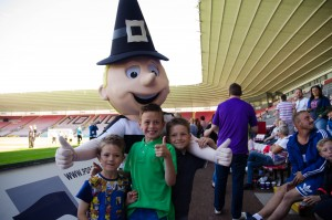 Mr Q meets the fans - News - Darlington Football Club